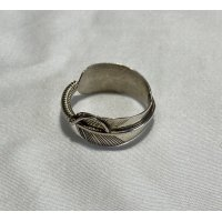 INDIAN JEWELRY  NAVAJO族  FEATHER RING SILVER/ナバホ族  フェザー リング 刻印C インディアンジュエリー